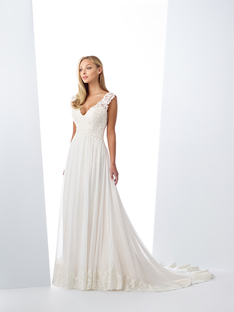 119126 gown from the 2019 Enchanting by Mon Cheri collection, as seen on Bride.Canada
