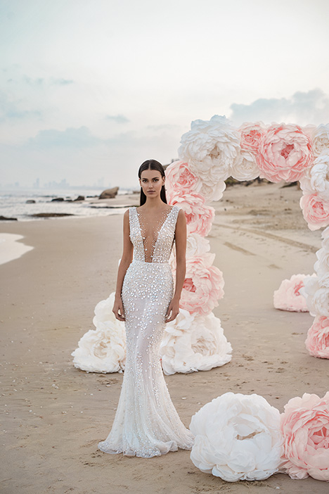 Magnolia gown from the 2019 Lee Petra Grebenau collection, as seen on Bride.Canada