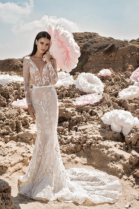 Peony gown from the 2019 Lee Petra Grebenau collection, as seen on Bride.Canada