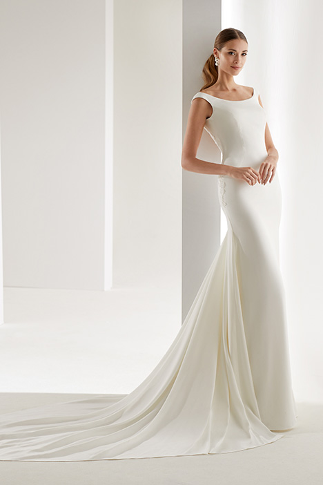 AUAB191007 gown from the 2019 Aurora collection, as seen on Bride.Canada
