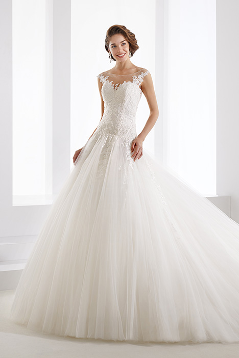 JOAB19411 gown from the 2019 Jolies collection, as seen on Bride.Canada