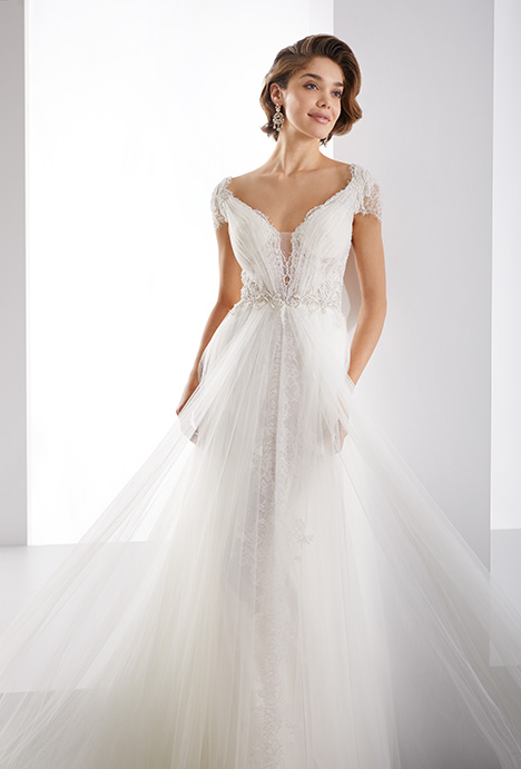 JOAB19452 gown from the 2019 Jolies collection, as seen on Bride.Canada