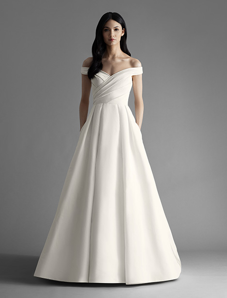 Ava (4900) gown from the 2019 Allison Webb collection, as seen on Bride.Canada