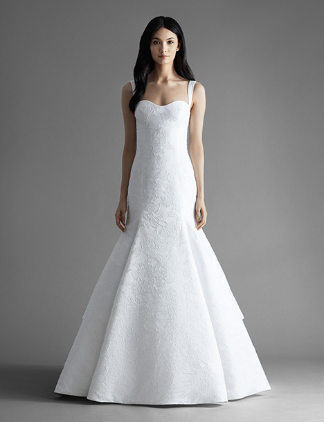 Ellis (4901) gown from the 2019 Allison Webb collection, as seen on Bride.Canada