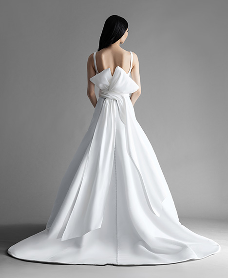 Easton (4909) (back) gown from the 2019 Allison Webb collection, as seen on Bride.Canada