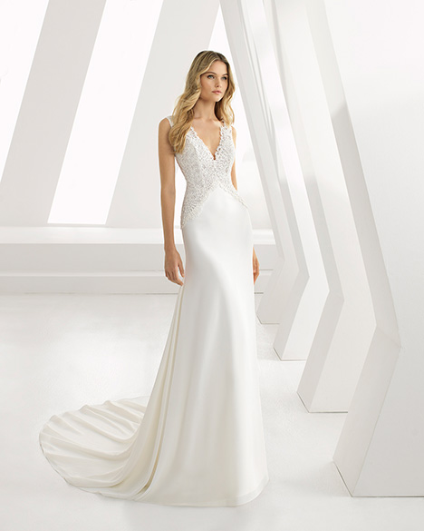 DAILA (3A102) gown from the 2019 Rosa Clara collection, as seen on Bride.Canada