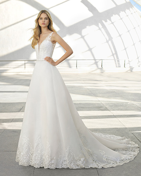 DUBLIN (3A1C3) gown from the 2019 Rosa Clara collection, as seen on Bride.Canada