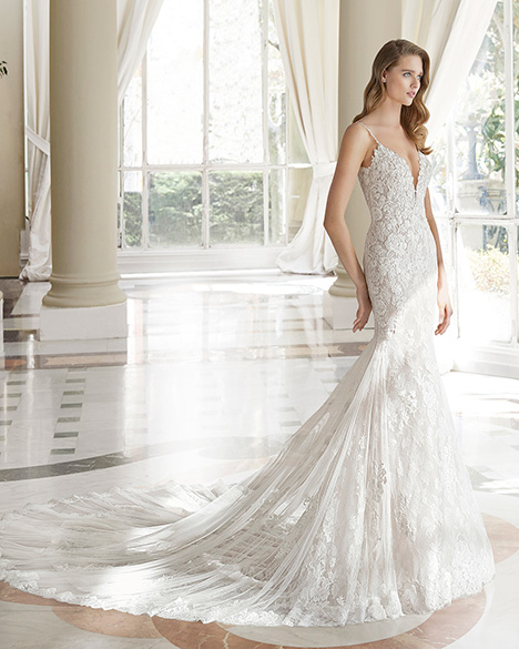 MARIPOSA (31141) gown from the 2019 Rosa Clara Couture collection, as seen on Bride.Canada