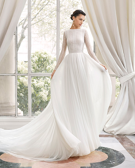 MERIDIAN (31163) gown from the 2019 Rosa Clara Couture collection, as seen on Bride.Canada