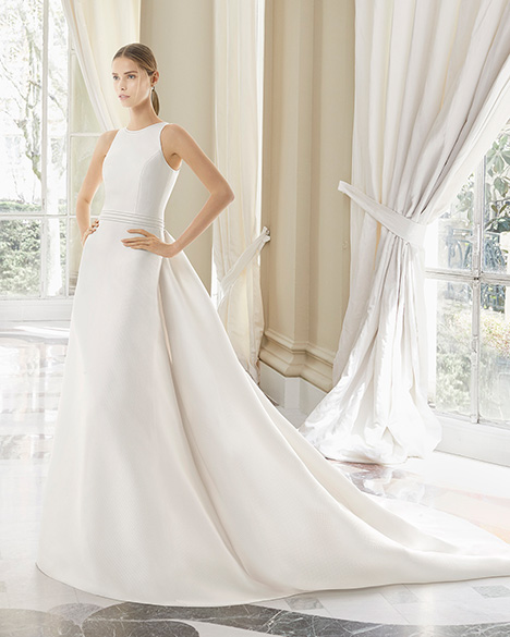 MANRESA (31226) gown from the 2019 Rosa Clara Couture collection, as seen on Bride.Canada