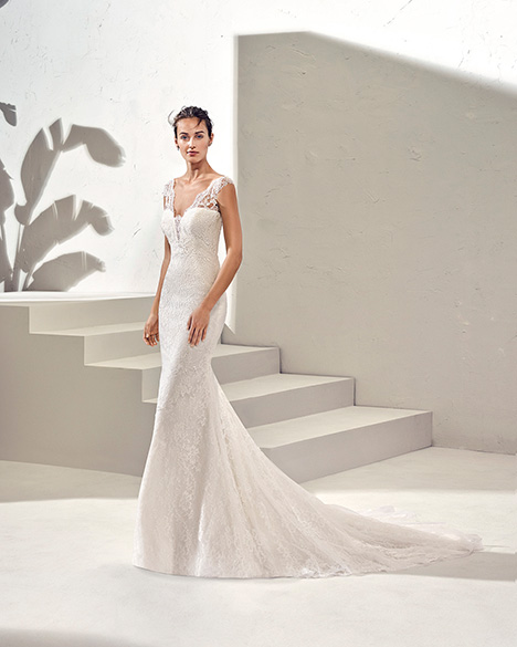 FAMARA (3N106) gown from the 2019 Adriana Alier collection, as seen on Bride.Canada
