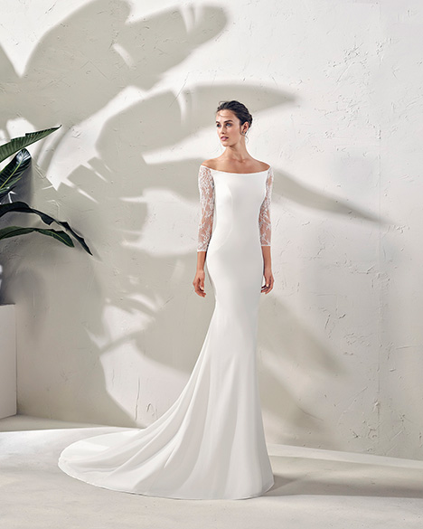 FERMOSA (3N123) gown from the 2019 Adriana Alier collection, as seen on Bride.Canada