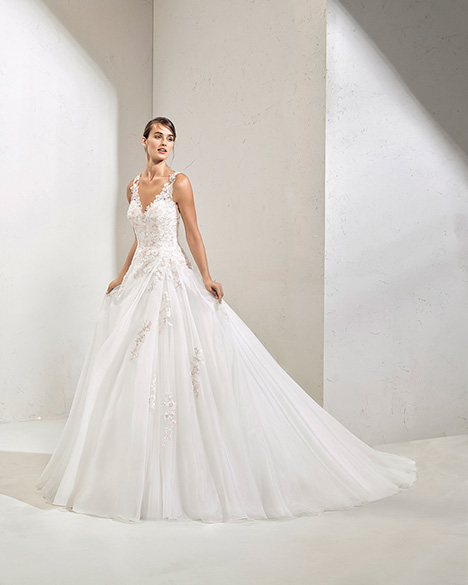 FLOYD (3N140) gown from the 2019 Adriana Alier collection, as seen on Bride.Canada