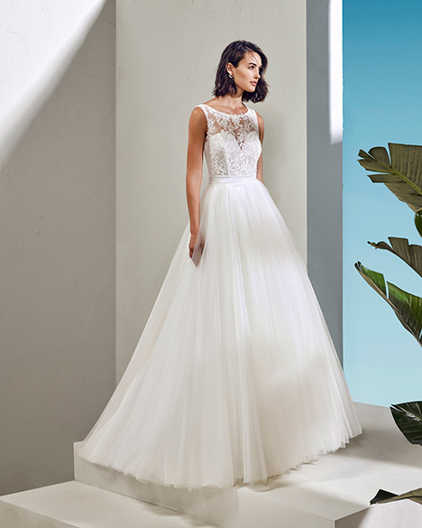 FRESA (3N152) gown from the 2019 Adriana Alier collection, as seen on Bride.Canada