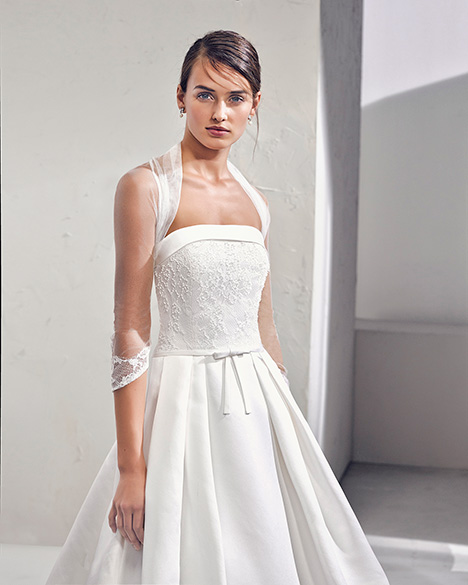 FUGOL (3N163) (2) gown from the 2019 Adriana Alier collection, as seen on Bride.Canada