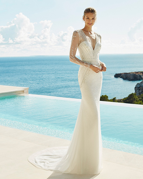 GALILEO gown from the 2019 Aire Barcelona Beach Wedding collection, as seen on Bride.Canada
