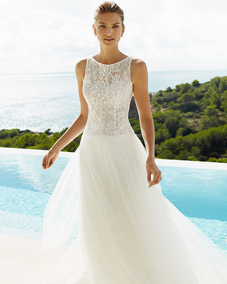 GIGI gown from the 2019 Aire Barcelona Beach Wedding collection, as seen on Bride.Canada
