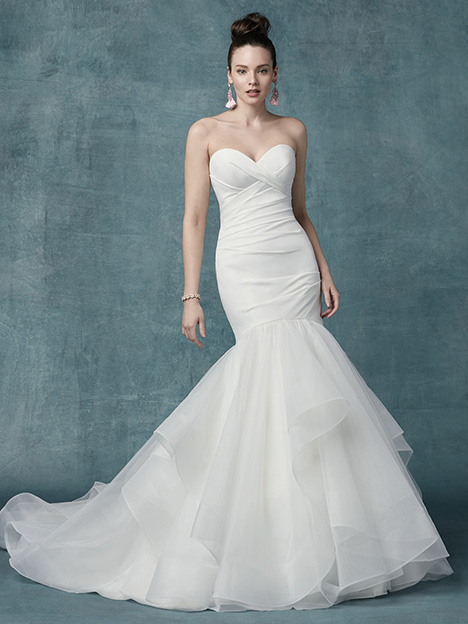 Jacqueline gown from the 2019 Maggie Sottero collection, as seen on Bride.Canada