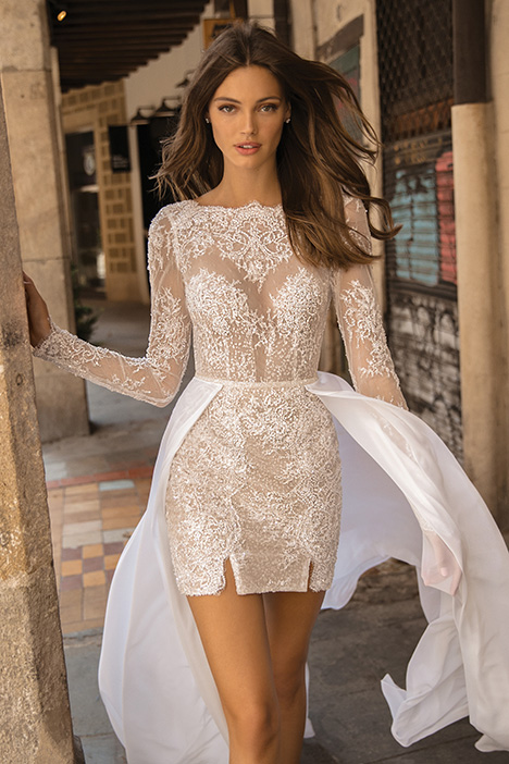 Dani gown from the 2019 Muse by BERTA collection, as seen on Bride.Canada