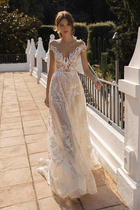 Daphne gown from the 2019 Muse by BERTA collection, as seen on Bride.Canada
