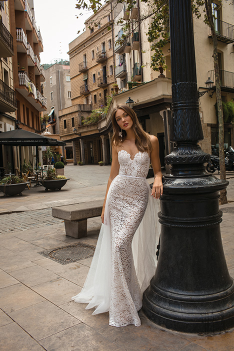 Delilah gown from the 2019 Muse by BERTA collection, as seen on Bride.Canada