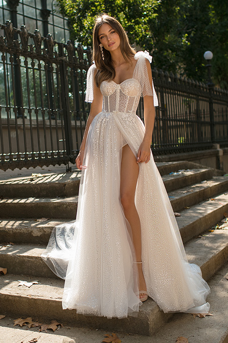 Donna gown from the 2019 Muse by BERTA collection, as seen on Bride.Canada