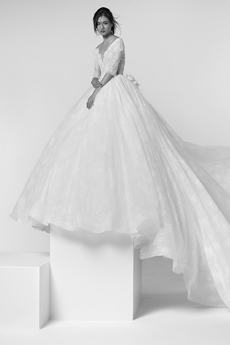 ARAB19660 gown from the 2019 Alessandra Rinaudo collection, as seen on Bride.Canada
