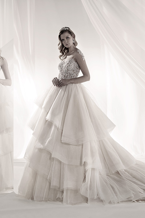 LXAB19006 gown from the 2019 Luxury collection, as seen on Bride.Canada