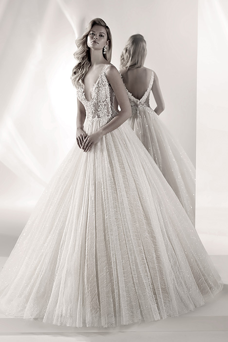 LXAB19021 gown from the 2019 Luxury collection, as seen on Bride.Canada