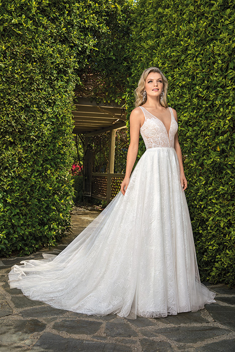 Kayla gown from the 2019 Casablanca Bridal collection, as seen on Bride.Canada