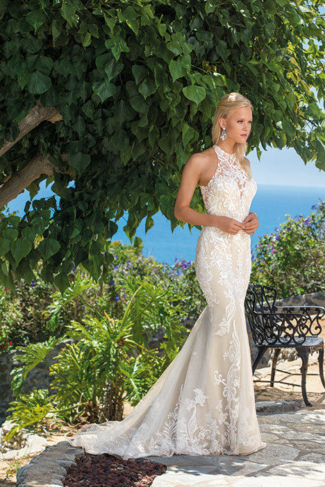 Josephine gown from the 2019 Casablanca Bridal collection, as seen on Bride.Canada