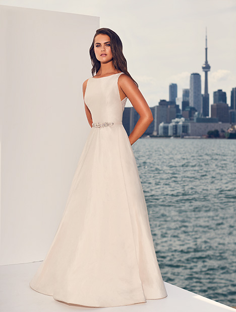 4827 gown from the 2019 Paloma Blanca collection, as seen on Bride.Canada