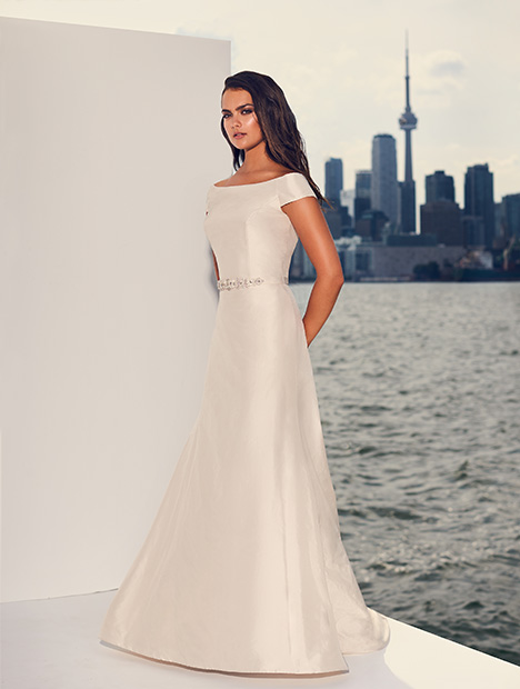 4839 gown from the 2019 Paloma Blanca collection, as seen on Bride.Canada