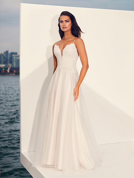 4847 gown from the 2019 Paloma Blanca collection, as seen on Bride.Canada