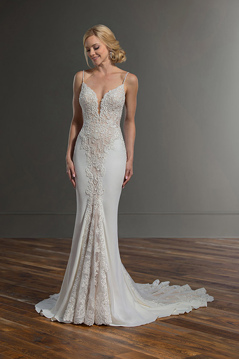1004 gown from the 2019 Martina Liana collection, as seen on Bride.Canada