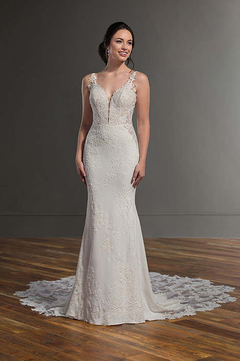 1025 gown from the 2019 Martina Liana collection, as seen on Bride.Canada