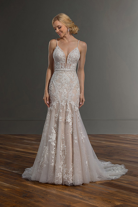 1043 gown from the 2019 Martina Liana collection, as seen on Bride.Canada
