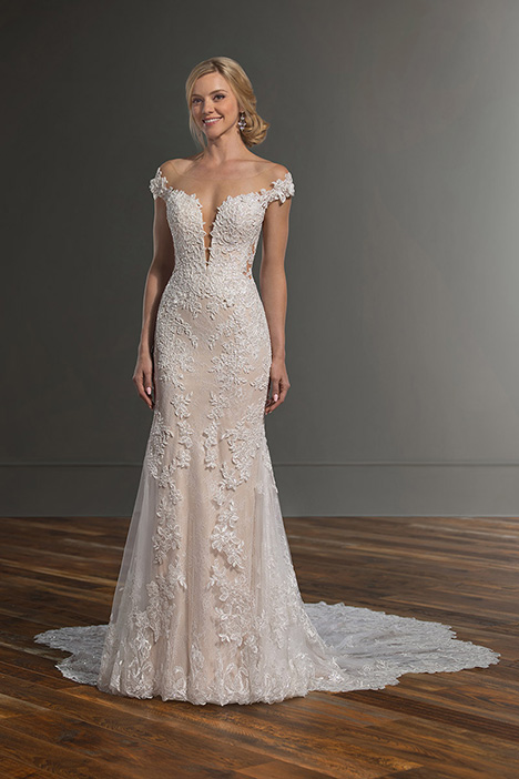 1047 gown from the 2019 Martina Liana collection, as seen on Bride.Canada