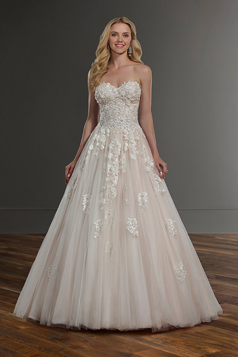 1048 gown from the 2019 Martina Liana collection, as seen on Bride.Canada