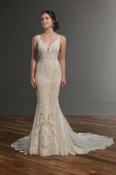 1066 gown from the 2019 Martina Liana collection, as seen on Bride.Canada