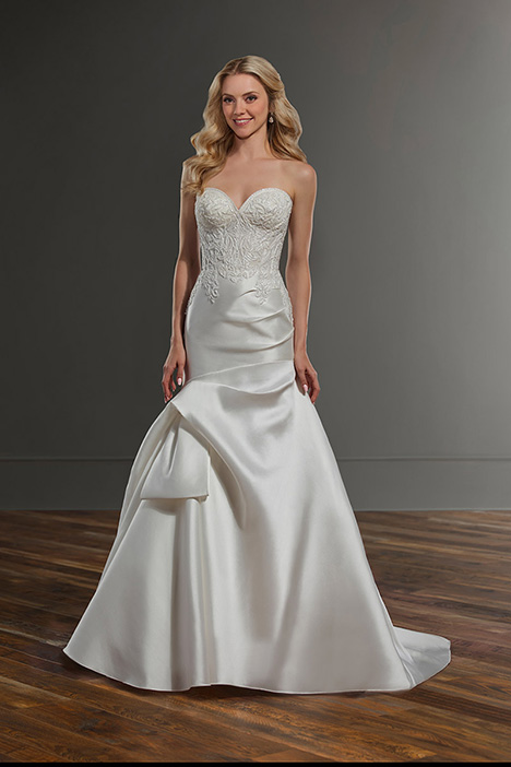 1079 gown from the 2019 Martina Liana collection, as seen on Bride.Canada