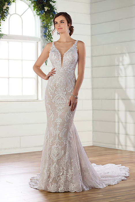 D2680 gown from the 2019 Essense of Australia collection, as seen on Bride.Canada