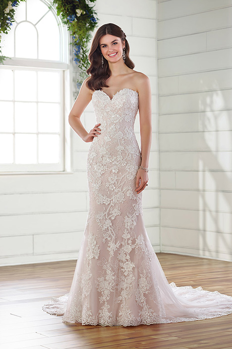 D2683 gown from the 2019 Essense of Australia collection, as seen on Bride.Canada