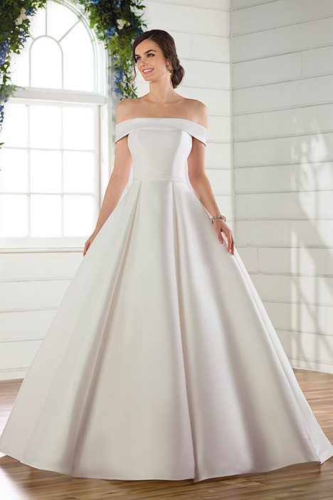 D2716 gown from the 2019 Essense of Australia collection, as seen on Bride.Canada