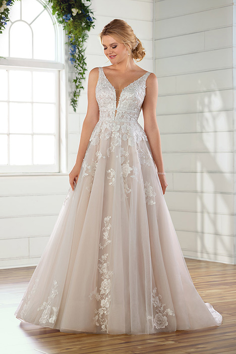 D2748 gown from the 2019 Essense of Australia collection, as seen on Bride.Canada