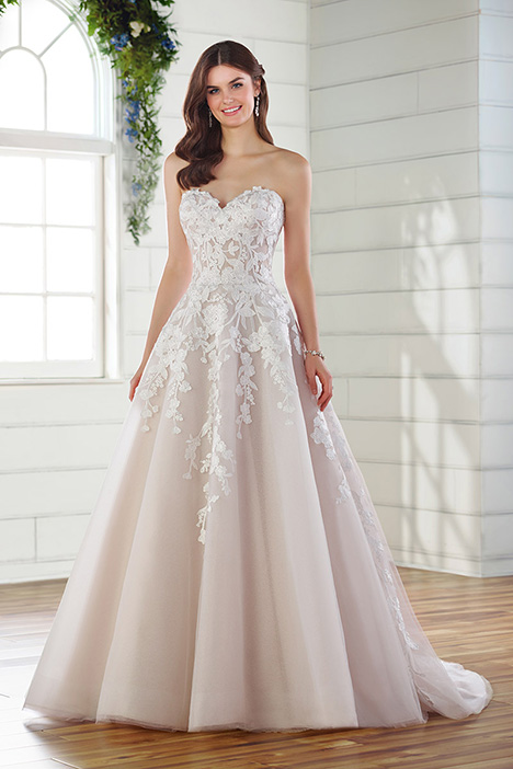 D2799 gown from the 2019 Essense of Australia collection, as seen on Bride.Canada