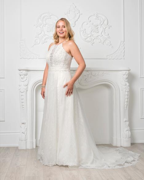 8225W gown from the 2019 Romantic Bridals: Curvy Bride collection, as seen on Bride.Canada
