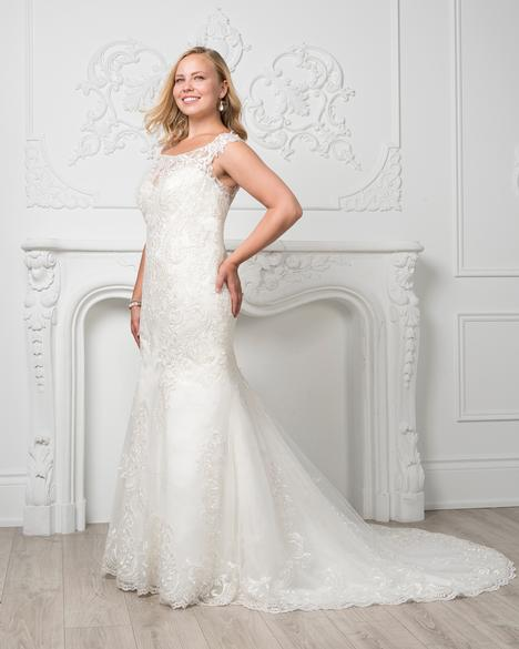 8229W gown from the 2019 Romantic Bridals: Curvy Bride collection, as seen on Bride.Canada