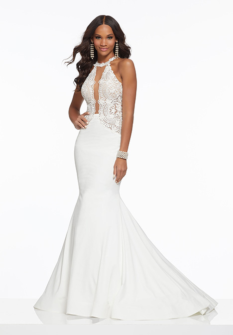43014 gown from the 2019 Mori Lee Prom collection, as seen on Bride.Canada