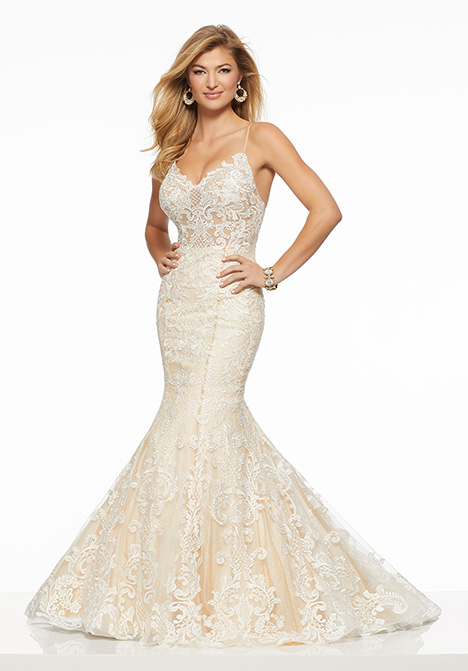 43017 gown from the 2019 Mori Lee Prom collection, as seen on Bride.Canada